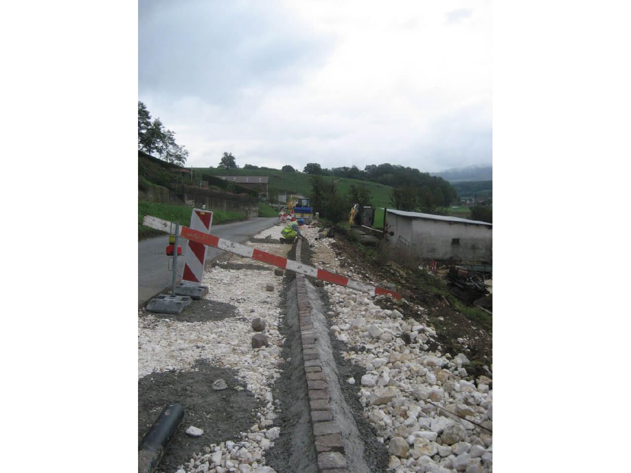 Pose pavés bord de route cantonale, communale et privée